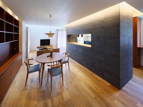 完全分離型二世帯住宅「平屋+二階建て」
